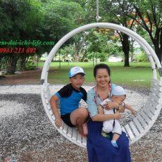 Chi phí nuôi 2 con nhỏ một tháng 18 triệu đồng có tiết kiệm được hay không?